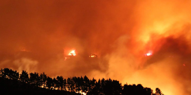 New Zealand wildfires prompt hundreds of evacuations