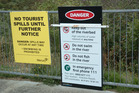 Warning signs at the Aratiatia Bridge.