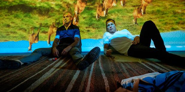 Simon (Jonny Lee Miller) and Mark Renton (Ewan McGregor) in T2: Trainspotting.