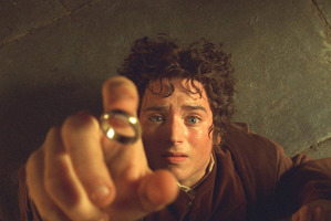 LOTR jewellery targeted in burglary