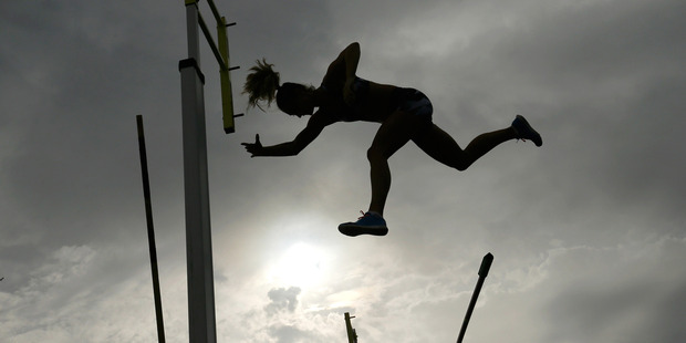 Loading An athlete in the women's pole vault fails a jump during the IAAF World Challenge in Melbourne. Photo/Getty Images