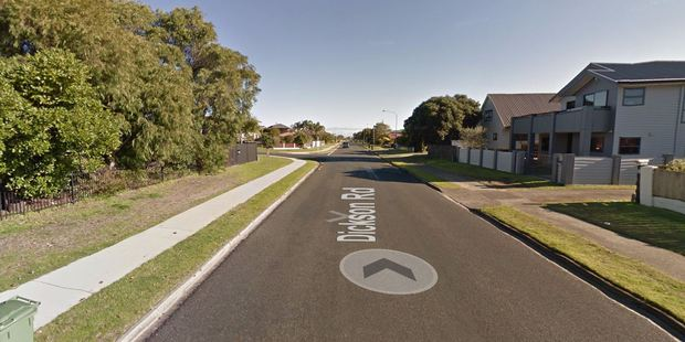 A gas main has been hit on Dickson Rd, Papamoa.