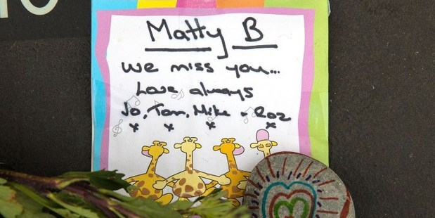 Messages left for Christchurch earthquake victims. Photo / Martin Hunter, Christchurch Star