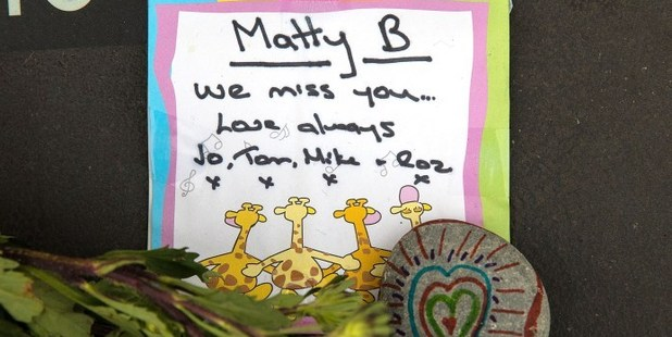 A note left for a Christchurch earthquake victim. Photo / Martin Hunter, Christchurch Star