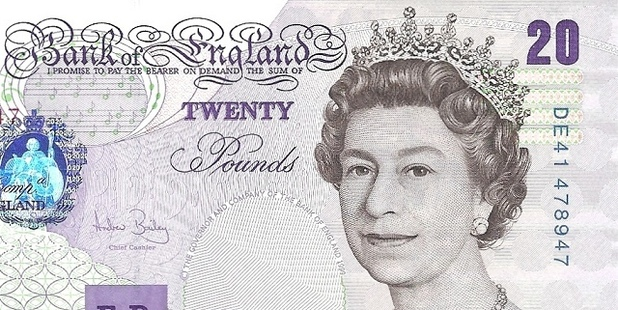 Nicole Bailey picked up a bank note she found on the floor while out shopping.