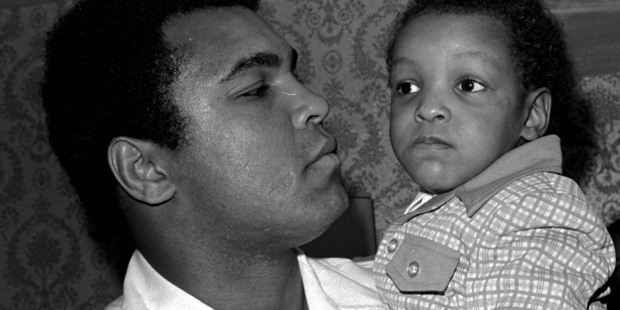 The late heavyweight boxing champion Muhammad Ali and Muhammad Ali, his son, in 1975. Ali jnr was detained at the US border. Photo / AP file