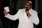 Steve Harvey has offered his services to Warren Beatty after his epic Oscars mix-up. Photo/AP