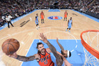 Steven Adams of the Oklahoma City Thunder shoots against DeMarcus Cousins of the Sacramento Kings, Photo/Getty Images