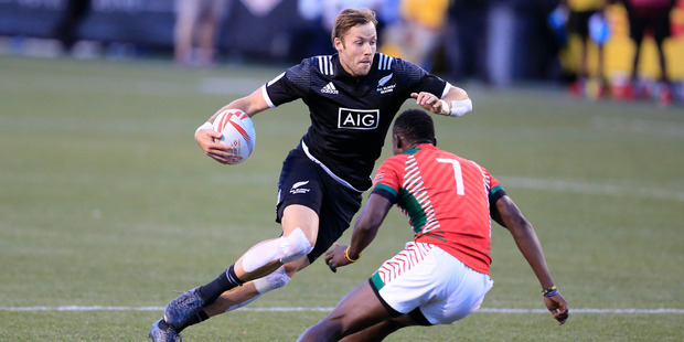 Tim Mikkelson in action against Kenya at the Las Vegas Sevens. Photo / Getty