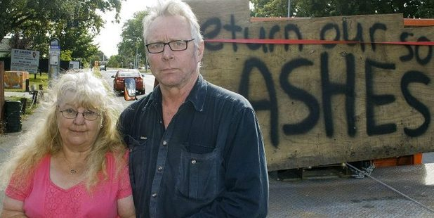 Loading Edgar and Raewyn Wahnig plea for their son's ashes to be returned. Photo / Geoff Sloan, Christchurch Star