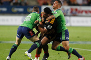 Chiefs prop Pauliasi Manu (C) is shaping as a threat to the Blues in Friday night's Super Rugby blockbuster. Photo / file