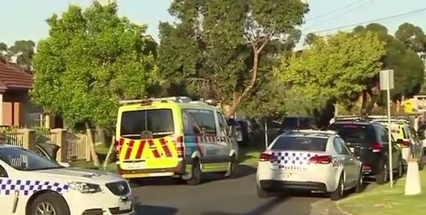 The scene is intensifying, with 30 police officers, including those from the Special Operations Group, attempting to gain access to the house. Photo / 7 News