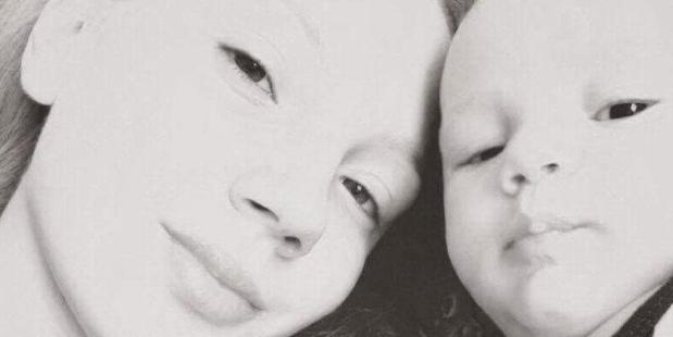 Rhianna Truman gave up treatment for her cancer to give birth to her son Daeshaun. Photo / Givealittle