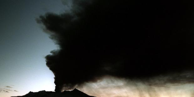 Thar she blows: Ruapehu erupts in 1995