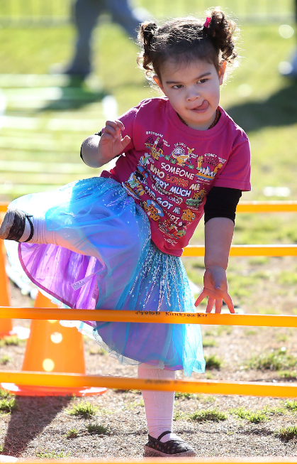 Cartier McGreal makes her way through the obstacle course at Arataki Kindergarten.