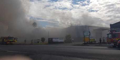 Fire crews fighting Onehunga blaze in industrial building